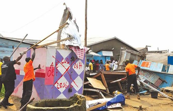 Clandestine occupation of public property, government in fierce battle with defaulters